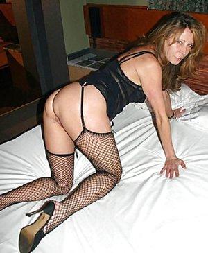 Bedroom Porn Pics